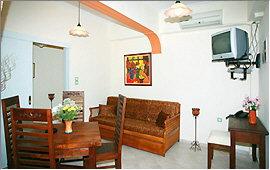 Apartment Vokamvilia - Wohnbereich und Esstisch